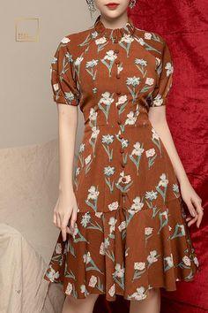 Đầm sakura hoa nâu chất lụa hàn ít nhăn, có lót trong Daytime Dresses, Plus Dresses, Simple Dresses, Pretty Dresses, Beautiful Dresses, Casual Dresses, Short Dresses, Fashion Dresses, Lace Up Bodycon Dress