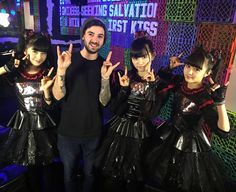 「Scuzz shoot with @babymetal_jpn today. If you don't know who they are this looks weird.」