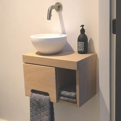 Design Wc, Lavabo Design, Toilet Design, Nautical Bathrooms, Guest Bathrooms, Laundry In Bathroom, Small Toilet Room, Guest Toilet, Wc Decoration
