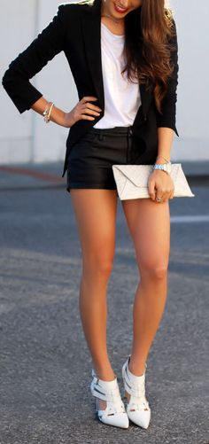 Cute Black & White Summer Outfit <3 Love the Heels!