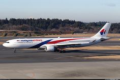Airbus A330-323, Malaysia Airlines, 9M-MTF, cn 1281, 283 passengers, first flight 5.1.2012, Malaysia delivered 23.1.2012. His last flight 23.5.2016 Beijing - Kuala Lumpur. Foto: Tokyo, Japan, 14.12.2014.