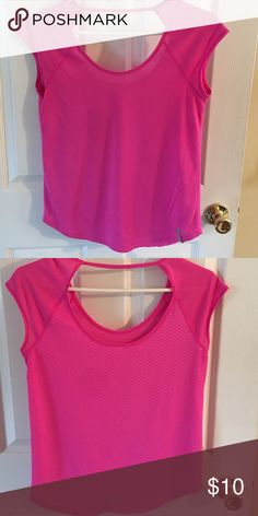 Under Armour Workout top small Under Armour Workout Shirt good condition Under Armour Tops