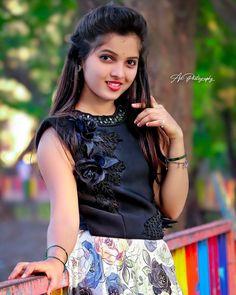 Lovely Girl Image, Beautiful Girl Photo, Beautiful Girl Indian, Girls Image, Cute Girl Poses, Cute Girls, Cool Girl, Girl Pictures, Girl Photos