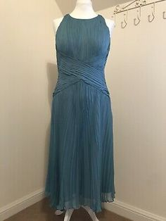 <p>Beautiful Anne Kleine 100% Silk Dress Size 10 Length 40 inch Zip and hook fastening Chiffon pleated /double layer Soft Teal / Turquoise Ballerina Length. Perfect for Party/Prom/wedding /races/Cocktails when we can Condition is Good used Dispatched with Royal Mail 2nd Class signed for</p> Chiffon Dress, Silk Dress, Teal Weddings, Royal Mail, Anne Klein, Ballerina, Ball Gowns, Size 10, Cocktails