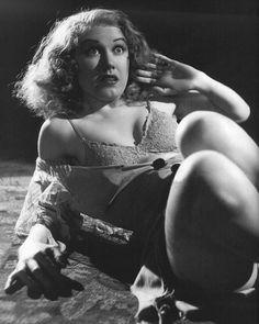 "Fay Wray en ""King Kong"", 1933 via Mudwerks Clark Gable, Sherlock Holmes, Classic Hollywood, Old Hollywood, Hollywood Glamour, Godzilla, Erich Von Stroheim, King Kong 1933, Bessie Love"