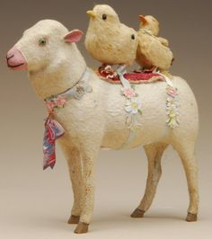 Turn of the century Easter toys. A couple of naughty Easter chicks 'hitch' a ride on the back of a lamb. Easter Toys, Easter Candy, Hoppy Easter, Easter Crafts, Easter Lamb, Easter Stuff, Easter Decor, Vintage Easter, Vintage Holiday