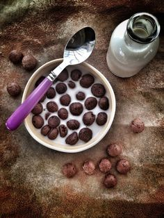 Post image for Paleo Cocoa Puffs Cereal. Paleo Dessert, Paleo Sweets, Delicious Desserts, Paleo Cereal, Crunch Cereal, Paleo Breakfast Cereal, Diet Breakfast, Chocolate Crunch, Paleo Chocolate