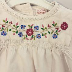 Room seven blouse in maat 80, zo lief! Kijk op Kleertjesdoos.com - we hebben unieke stuks! Dus van elk maar 1