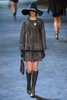 See the complete Lanvin Fall 2011 Ready-to-Wear collection.