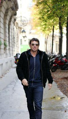 Patrick Bruel redevient chanteur - Le Parisien. Male Artists, Idole, Bomber Jacket, Celebrities, Sweet, Female Singers, Songs, Beautiful Men, Artists