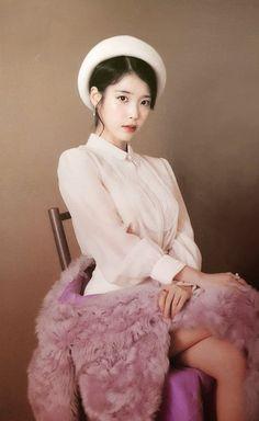 Photo album containing 186 pictures of IU Korean Beauty Girls, Korean Girl, Asian Beauty, Korean Style, Korean Actresses, Korean Actors, Actors & Actresses, Minions, Iu Fashion