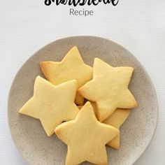 I lose count of the number of times I make this easy Thermomix Shortbread recipe in the lead up to Christmas! Don't worry if you don't have a Thermomix! You can find the conventional instructions Shortbread Recipes, Shortbread Cookies, Cookie Recipes, 3 Ingredient Shortbread Cookie Recipe, Baking Recipes, Baking Cookies, Christmas Cooking, Christmas Recipes, Christmas Ideas