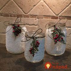 Čarovanie s obyčajnými pohármi na zaváranie: Len natrieť lepidlom a ponoriť do soli - neuveríte, aká krása z toho vznikne! Knitted Headband, Advent, Mason Jars, Shabby Chic, Decorative Bottles, Red, Decorated Wine Bottles, Christmas, Mason Jar