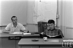 Astronauts Alan B. Shepard and Wally Schirra Astronauts In Space, Nasa Astronauts, Project Mercury, Apollo Space Program, Vintage Space, Air Space, Space Travel, Gemini, The Neighbourhood