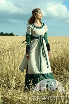 Tunique féminine longue médiévale en lin naturel avec le surcot ArmStreet