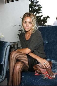Olsen!! Grungy eye makeup and messy updo
