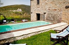 For a family style get-back-to-nature experience, this wonderful two-storey property, set in the heart of exquisite Umbrian countryside near Perugia and sleeping up to 5, is perfect.