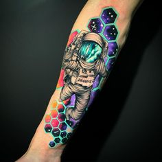 Hi, here are some amazing hand tattoos that you will find interesting. These tattoos are pretty cool and spunky. Galaxy Tattoo Sleeve, Space Tattoo Sleeve, Skull Sleeve Tattoos, Sleeve Tattoos For Women, Tattoos For Guys, Galaxy Tattoos, Colorful Sleeve Tattoos, Geometric Tattoos, Women Sleeve