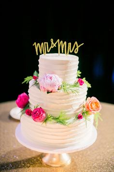 Ruffled Wedding Cake with Fresh Flowers | Jordan Brittley Photography on @heyweddinglady via @aislesociety