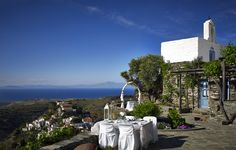 """Welcome to the """"Villa Lefkothea"""" in Kea, Greece. Lush, Vineyard, Greece, Dolores Park, Island, Mansions, House Styles, Nature, Luxury Villa"""