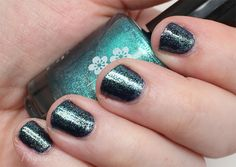 Phyrra is wearing KBShimmer Fall 2015 nail colors in Soul Deep and Talk Qwerty to Me