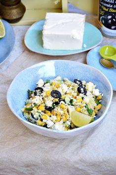 Moja smaczna kuchnia: Sałatka z kaszy kuskus z kukurydzą, fetą i oliwkami Cobb Salad, Feta, Healthy Recipes, Healthy Food, Lunch, Cooking, Cos, Bulgur, Healthy Foods