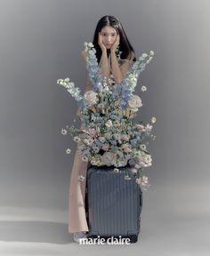 Fashion Mag, Fashion Cover, Fashion Lookbook, Photoshoot Themes, Grunge Photography, Fashion Photography Inspiration, Cute Korean Girl, Flower Fashion, Vintage Girls
