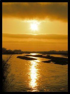 A beautiful Nebraska sunset over the Platte River.