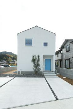 三角屋根の家 | 株式会社 青木建設