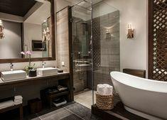 Salle de bains design aux touches spa des suites