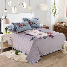 WWW.WINDEHOME.COM WHATSAPP:+86 17682342543 https://api.whatsapp.com/send?phone=8617682342543 EMAIL:kyo.liu@windehome.com  Supplier of quilt cover set, bed sheet set, quilt ,blanket ,bedspread,comforter from China.Various designs, Small MOQ, Good Price, Factory Direct, Quick Respond.  Printed Cotton 3 PCS Quilted Pattern Reversible Bedspread Coverlet Set and Bed Cover Set in Velvet Touch with Bedspread and Pillow Sham