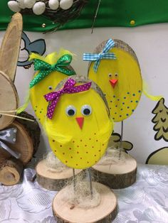 Easter chicks Easter chicks The post Easter chic Easter Projects, Easter Crafts For Kids, Easter Art, Easter Bunny, Easter Chick, Spring Crafts, Holiday Crafts, Diy Y Manualidades, Easter 2020
