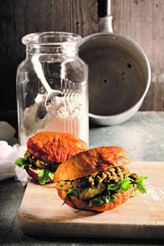 Kerrievetkoek South African Recipes, Curries, Food, Eten, Curry, Meals, Diet