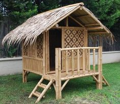 As soon as the summer season starts, you would grab many of the houses gardens that are being installed with the unique designed bamboo house. Bamboo Art, Bamboo Crafts, Bamboo Fence, Kids Cubby Houses, Play Houses, Build A Playhouse, Playhouse Outdoor, Bamboo House Design, Bamboo Building
