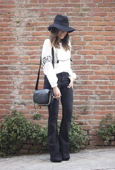 boho style flared jeans booties black outfit coach bag14