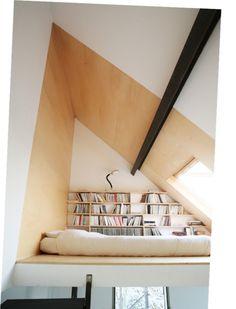 it's like having a natural alarm clock each morning. many things to fancy: loft, skylight, wall-to-wall bookshelf