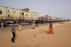 Zouérat liegt tief in der Sahara, zieht aber dennoch Menschen aus dem ganzen Land an, die auf der Suche nach Arbeit sind.