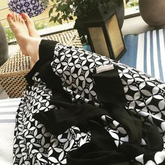 @eva_konkoly , our relapser client has just sent us her latest #lindaheringbyme post - Chilling in style with #lindaheringkimono Oberoi while contemplating wearing it for the rest of the summer 😃🙏🏼Éva, you have our full support! . . . . #madewithloveinbaliღ #handmade #kimono #batik #pattern #summer2017 #lindahering #coloursofbali #newcollection #musthave #hippiechic #fashionista  #bohemianstyle #boholuxe #boho #artisinal #oberoi #chilling