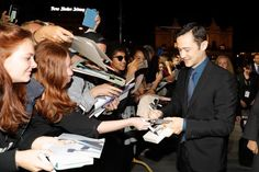 Joseph Gordon-Levitt, SNOWDEN Premiere (ZFF 2016) Joseph Gordon Levitt, Green Carpet, Filmmaking, Actors, Fictional Characters, Green Mat, Cinema, Actor, Fantasy Characters