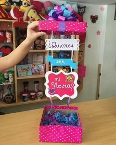 Cardboard Box Crafts, Paper Crafts Origami, Diy Birthday, Birthday Cards, Birthday Gifts, Exploding Gift Box, Bestie Gifts, Diy For Kids, Valentine Gifts