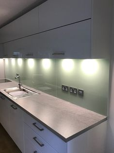 Transform your kitchen with a coloured glass splashback or worktop from UA Glass. Bespoke glass splashbacks provide a stylish, contemporary look Modern Farmhouse Kitchens, Farmhouse Kitchen Decor, Kitchen Splashback Tiles, Splashback Ideas, Layout Design, Design Ideas, Semarang, Sage Green Kitchen, Grey Bedroom With Pop Of Color