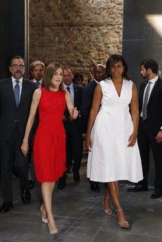 La Reina Letizia junto con la primera Dama de los EEUU Michelle Obama @MichelleObama para apoyar la iniciativa #LetGirlsLearn  30-06-2016