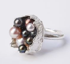boxcast ring in sterling silver with light and dark coloured pearls. Kelvin J. Birk 2020 Pearl Color, Casket, Contemporary Jewellery, Silver Rings, Pearl Rings, Jewelry Art, Wax, Gemstone Rings, Bangles