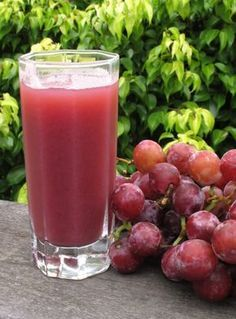 All natural grape juice - Juice Cleanse and Detox Juice Smoothie, Smoothie Drinks, Detox Drinks, Smoothie Recipes, Juice Recipes, Cleanse Recipes, Juice Diet, Salad Recipes, Yummy Drinks
