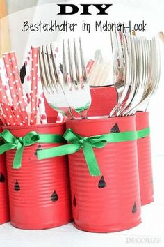 DIY – cutlery holder in melon look with step-by-step instructions. The summer party can come! DIY – cutlery holder in melon look with step-by-step instructions. The summer party can come! Baby Shower Watermelon, Watermelon Birthday Parties, Aloha Party, Diy Party Decorations, Decoration Table, Garden Decorations, Cutlery Holder, Diy Crafts To Do, Fete Halloween