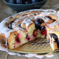 Cheese and Plums Yeast Spiral Cake Pin Up, Polish Recipes, But First Coffee, Baked Goods, French Toast, Food And Drink, Sweets, Lunch, Bread