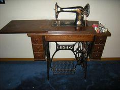 http://3.bp.blogspot.com/-0VCQAjvHZDE/T30lngWaHSI/AAAAAAAAAsM/uWmHca1KhBE/s1600/Ruth%27s+Sewing+Machine+002.jpg