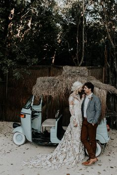 This beach meets jungle venue was a stunning backdrop for this Tulum wedding | Image by Brooke Taelor