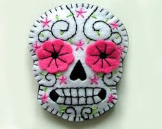 Day of the Dead Sugar Skull Jewelry por TheDollCityRocker en Etsy