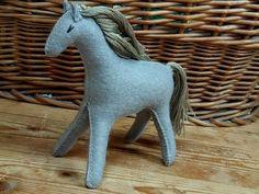 Toys For Girls, Gifts For Girls, Stuffed Horse, Gray Horse, Felt Patterns, Pattern And Decoration, Felt Toys, Felt Animals, Felt Crafts